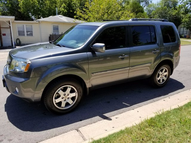 2011 Honda Pilot Touring 2WD 5-Spd AT with DVD 5-Speed Automatic